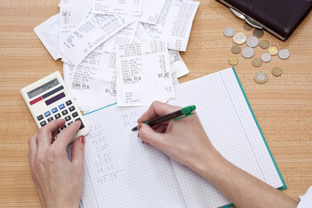 """5 maneiras de gerenciar as suas """"contas a receber"""" de forma mais eficiente"""